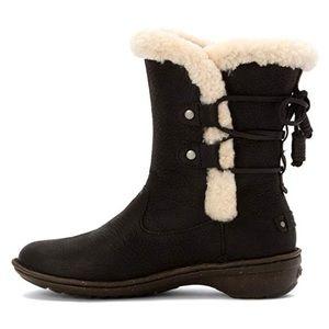 UGG boots Acadia NWOB 9